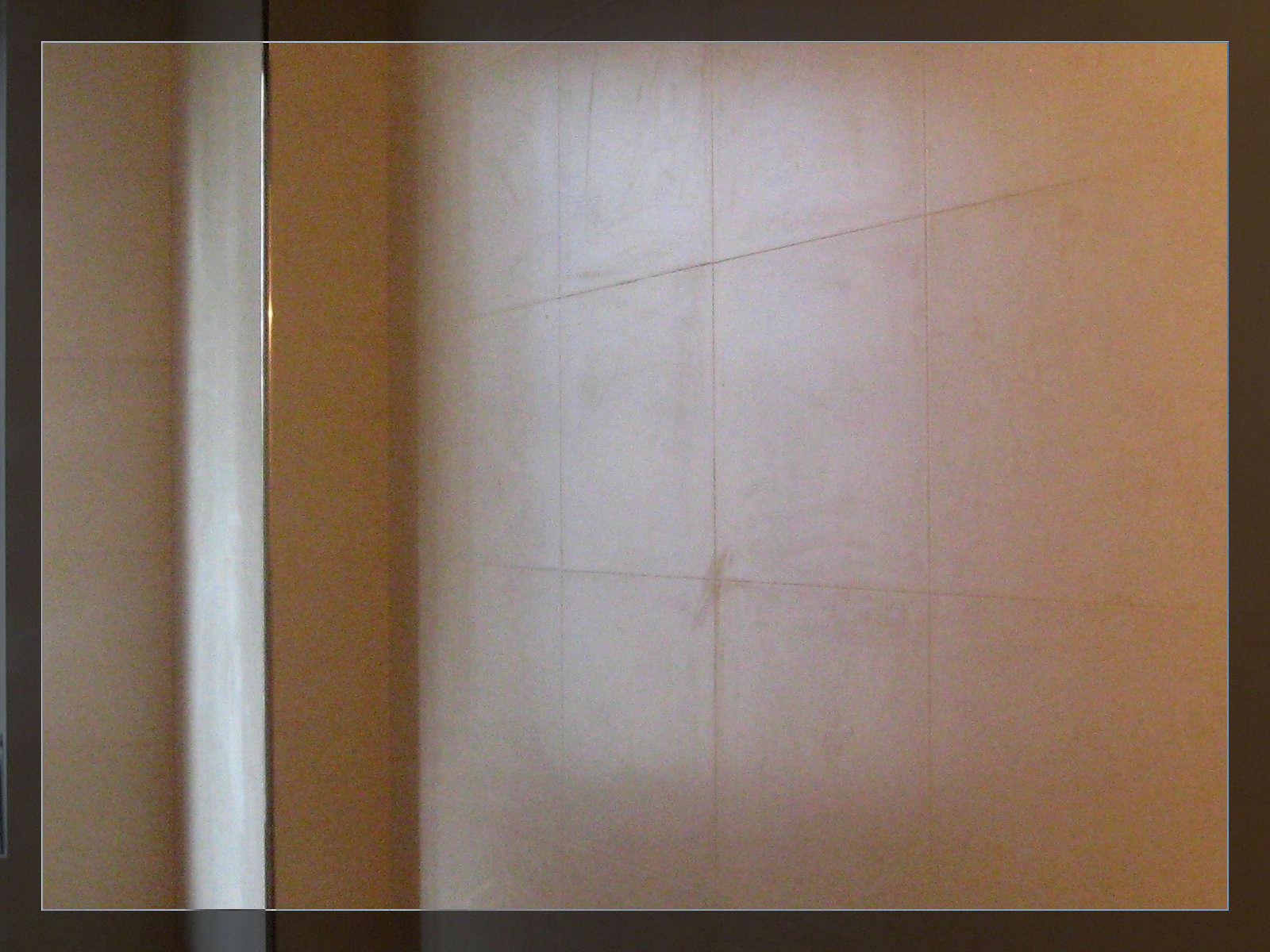 卫生间墙砖上墙了,相机不行,拍不出最佳效果,等后期灯具安装后