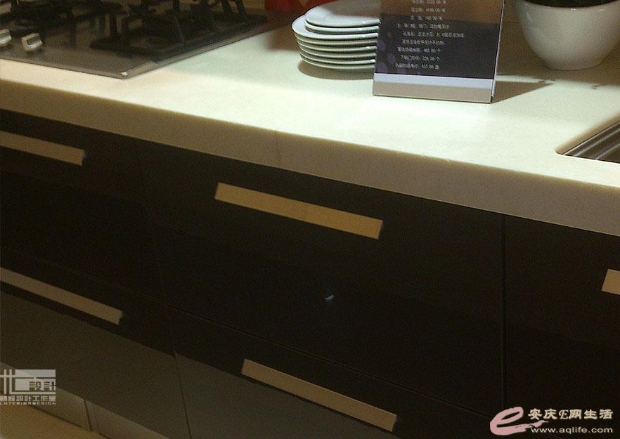 厨柜   空调 效果图方案:   玄关:整体组合鞋柜、屏风是玻高清图片